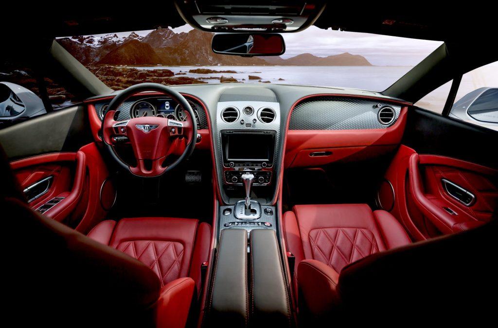 Licznik, hamulce, wyposażenie i wnętrze auta